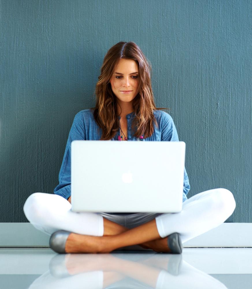 Women Dominate Social Media